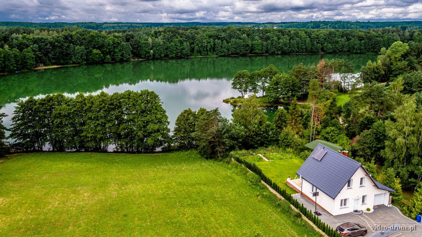 zdjęcie z drona, film z drona, dron nieruchomość, zdjęcie z drona nieruchomości, filmowanie dronem